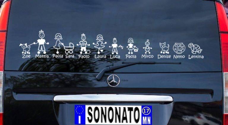 Adesivi auto famiglia: come sceglierli?