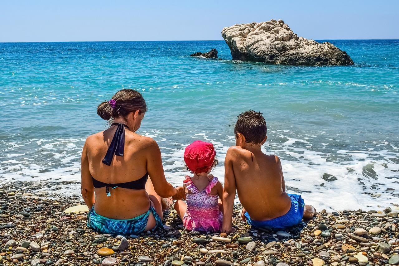 mare con i bambini
