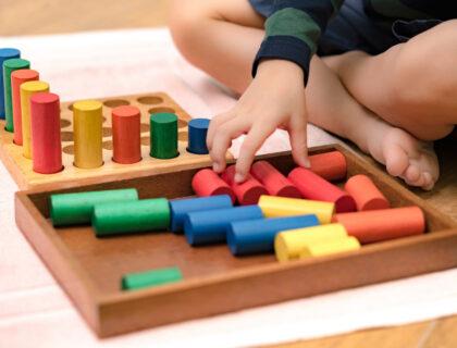 Cosa sono i Giocattoli Montessoriani